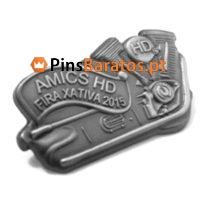 Pins 3D em prata antiga.