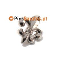 Pins prateados em relevo 3D