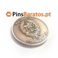 Moedas personalizadas em cor ouro com logo em prata.